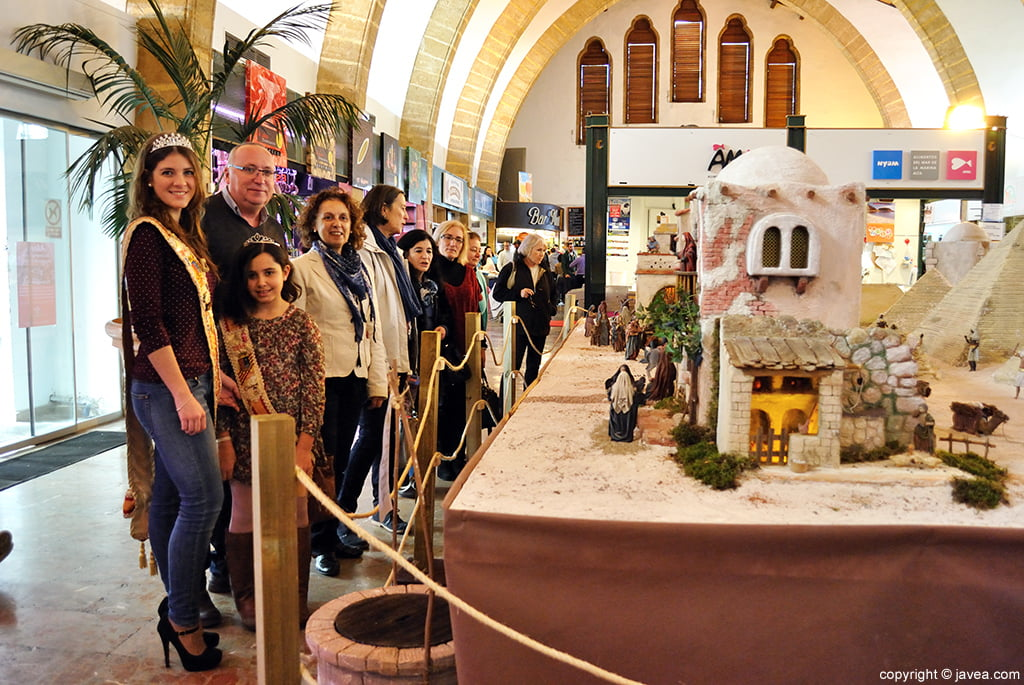 Las autoridades municipales y festivas inauguraron el gran belén