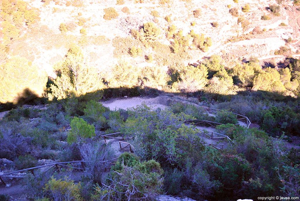 Vista de la senda por la que se accede a Santa Lucía