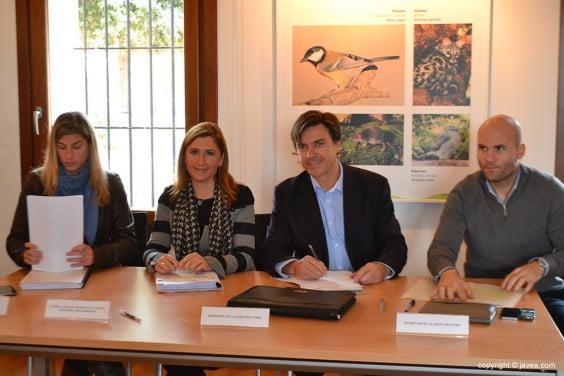 Irene Rodríguez junto a Salomé Pradas, José Sala y Carlos Llinares