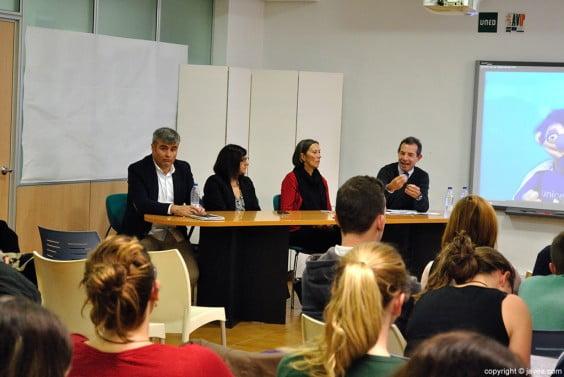 Los ponentes mostraron de forma activa su compromiso con el tema de la charla