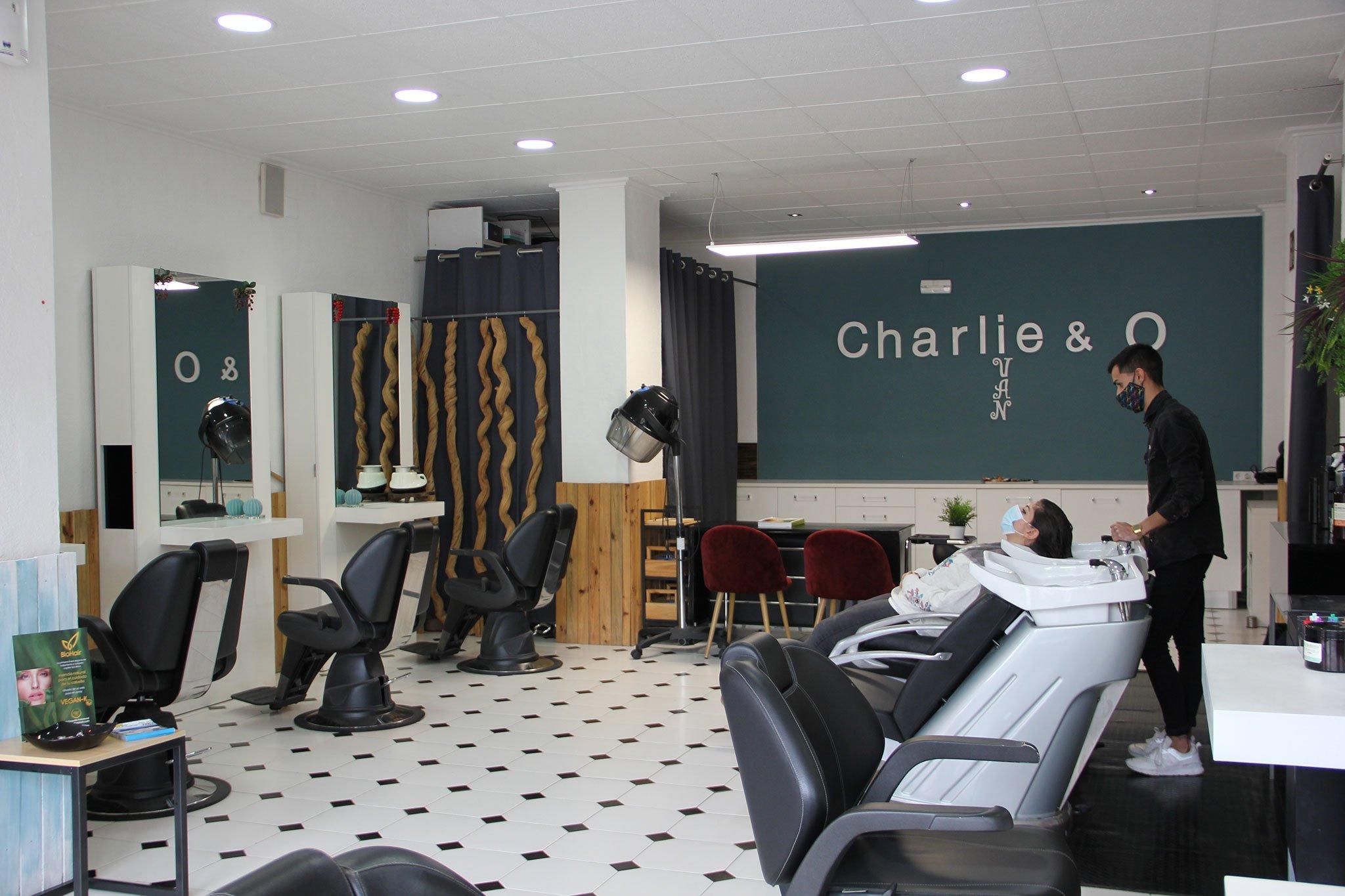 Peluquería a la última en Jávea – Charlie & O