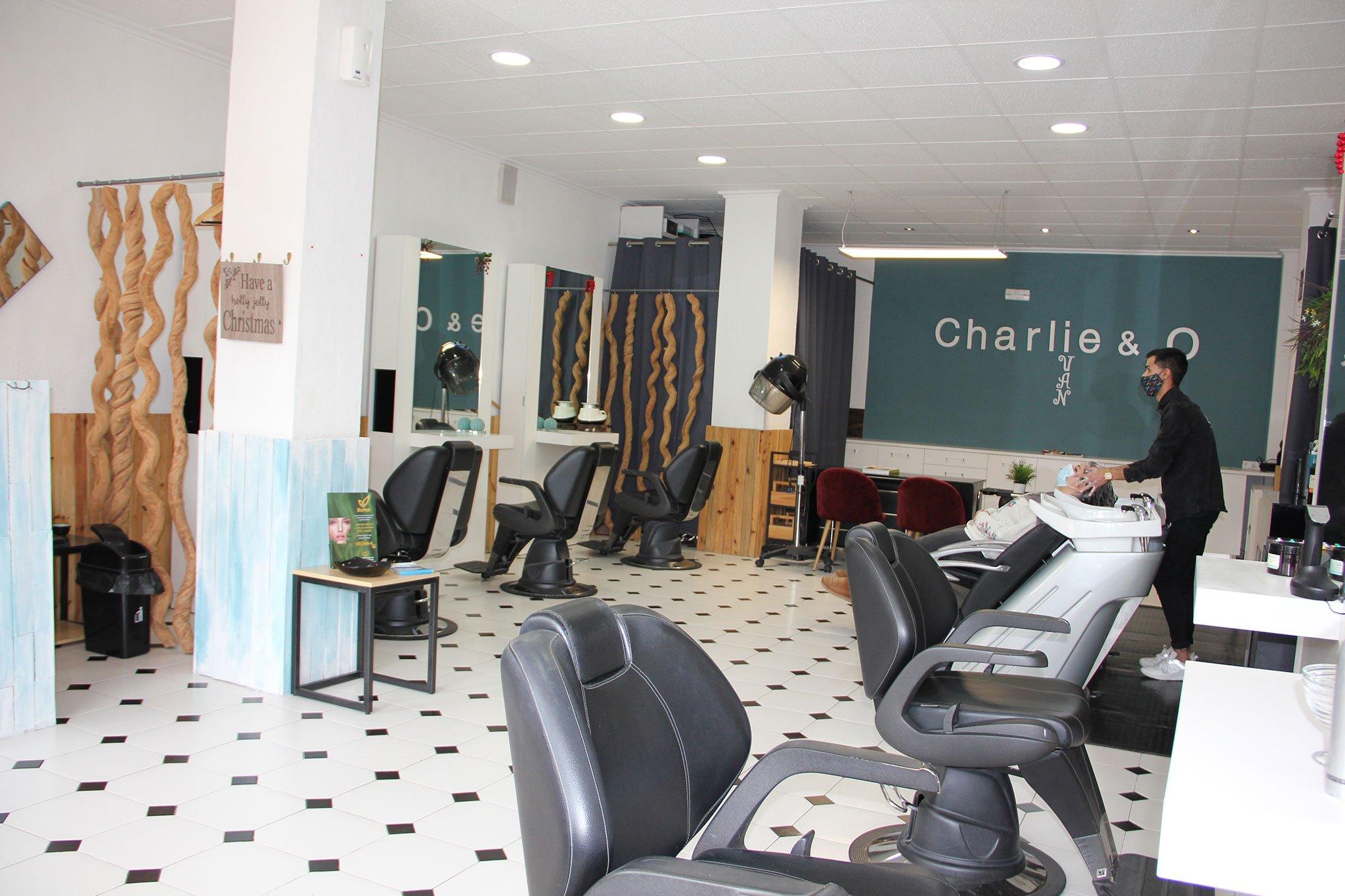Salón de peluquería en Jávea – Charlie & O