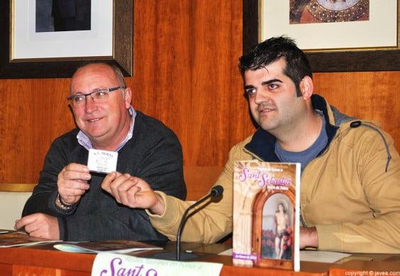 El concejal de Fiestas ha recibido su carnet como miembro de la A.C.T