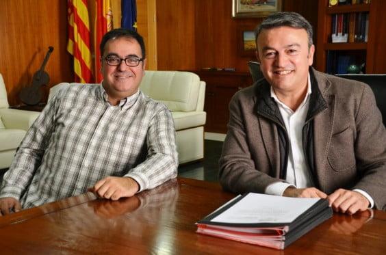 El edil de Nuevas Tecnologías, Cesc camprubi, y el alcalde, José Chulvi