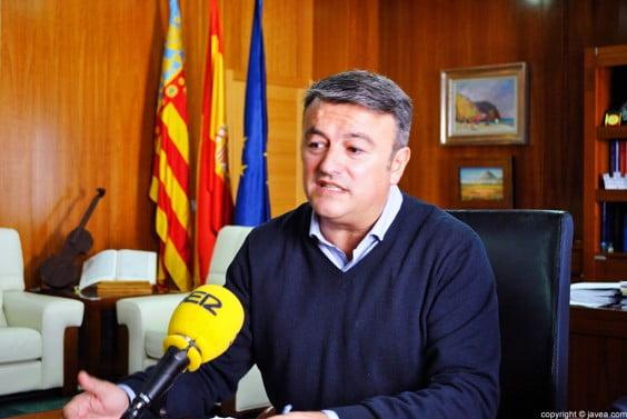 José Chulvi explica las alegaciones presentadas por el Ayuntamiento de Jávea