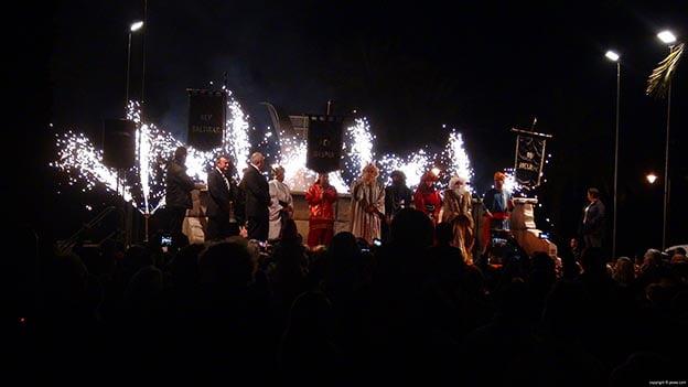 Los Reyes Magos saludaron a la multitud en Jaime I