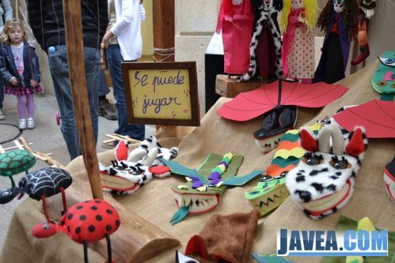 Uno de los muchos puestos de artesanía de las ferias que se realizan en Jávea
