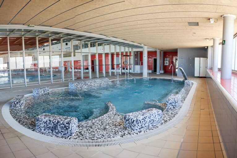 Piscina climatizada - Centro Deportivo Denia