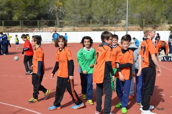 Los chavales alevines del Club Handbol Xàbia