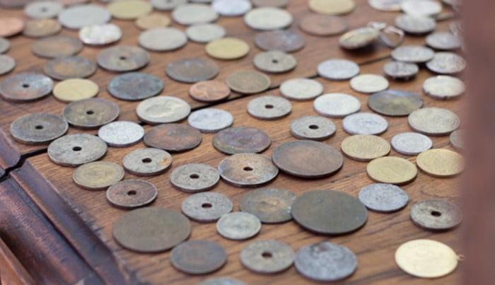 С древних монет