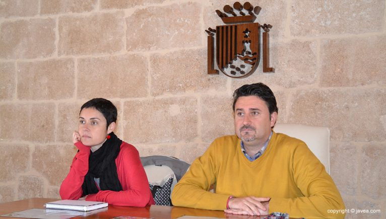 Juan Luis Cardona junto a Elena Roig