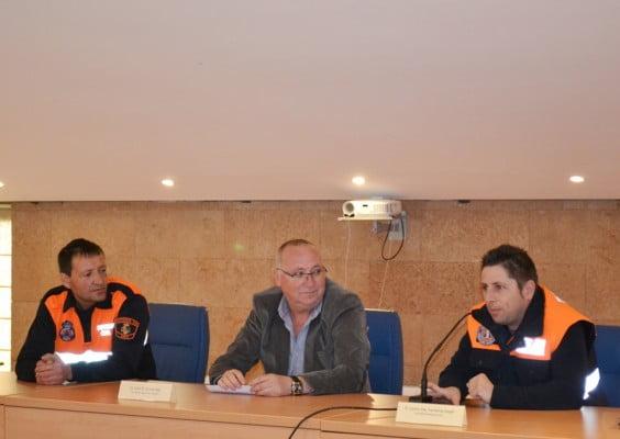 Juan Ortola con miembros de Protección Civil en Xàbia