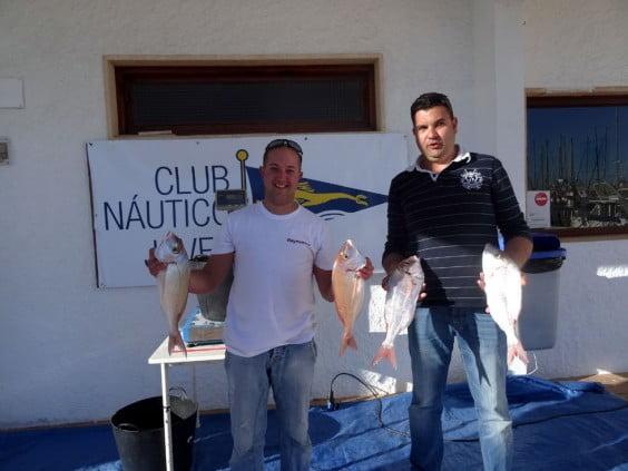 Participantes  del concurso de pesca del Club Náutico Jávea