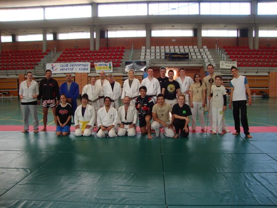Participantes en el seminario de Artes Marciales