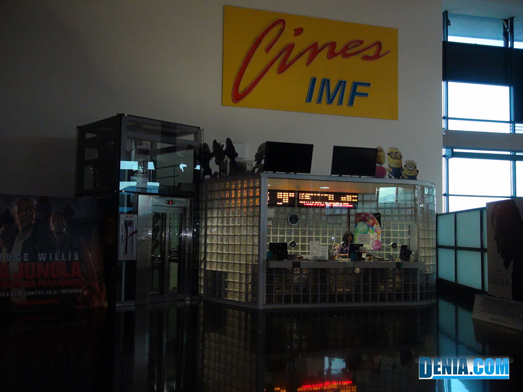 Portal de la Marina Cinema IMF- Lockers