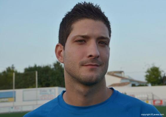 Dani Vaello autor del segundo gol del Jávea en Massanassa