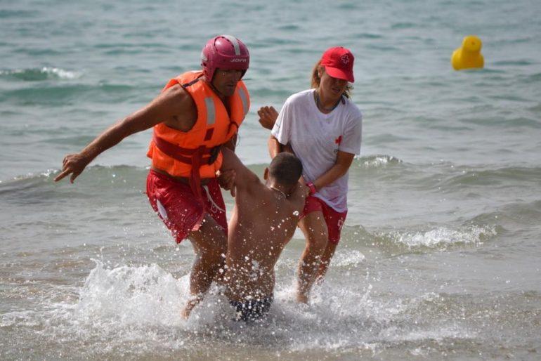 Ejercicio de rescate en el mar