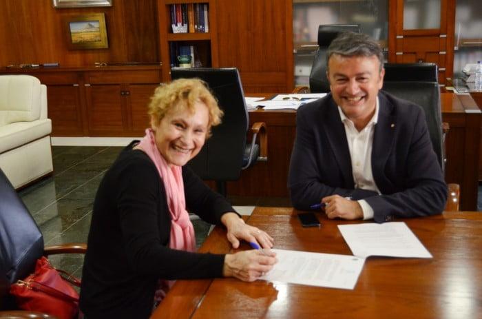 Firma del convenio con la EPA de Jávea