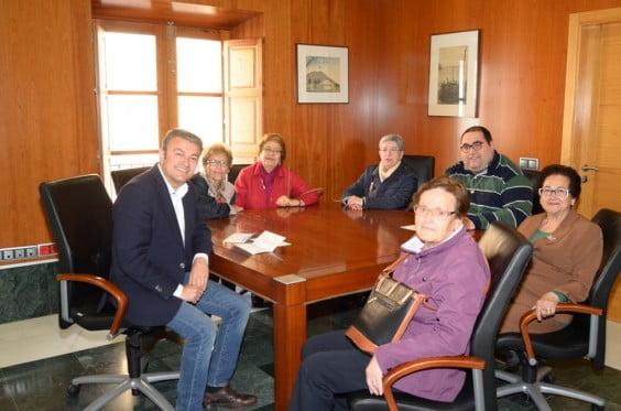 José Chulvi con miembros de la Asociación San Francisco