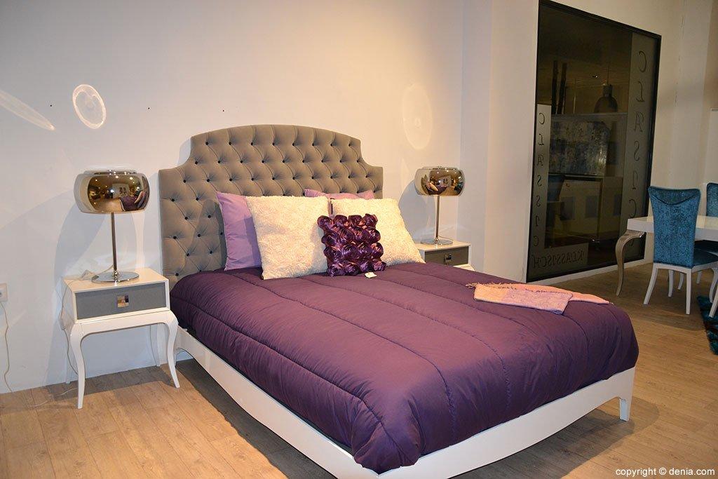 Dormitorio morado Muebles Martínez