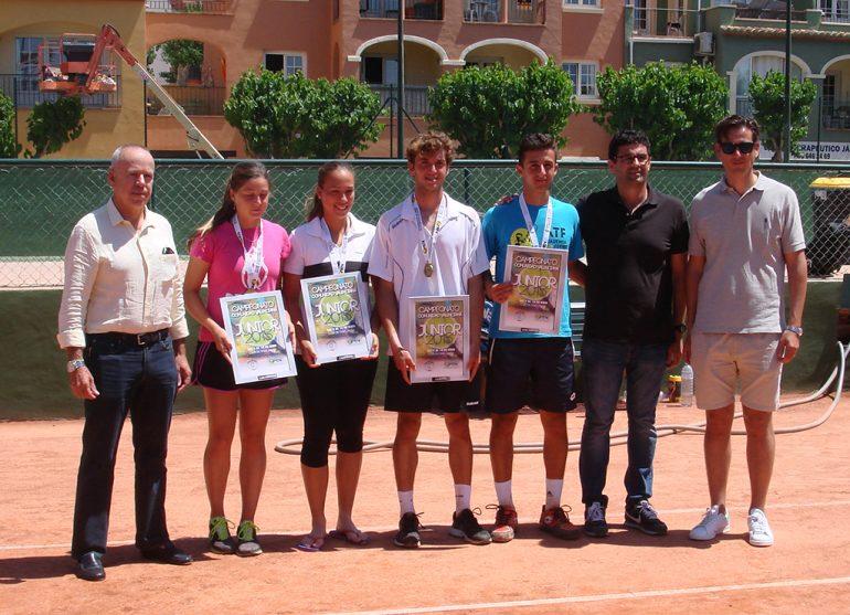 Antonio Martínez  junto a los finalistas