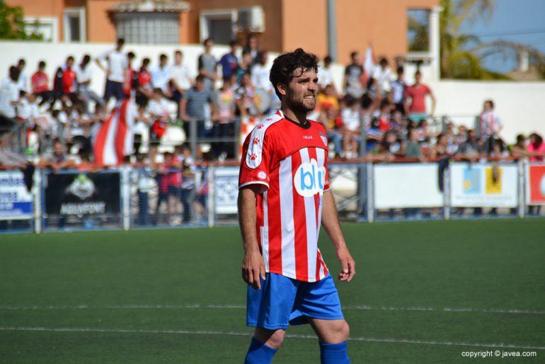 El central Aldo un jugador fundamental en el Jávea