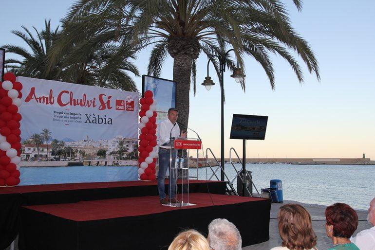 José Chulvi en el mitin del puerto