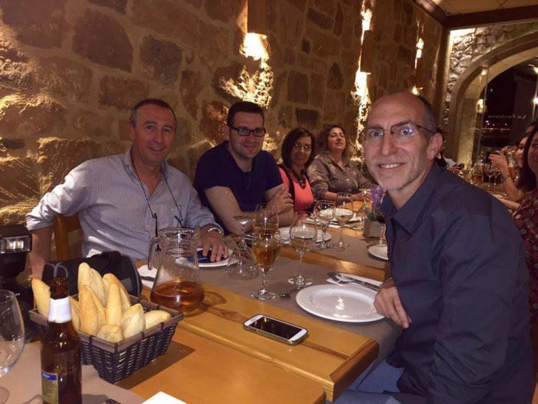Vicent Colomer junto a Joan Baldoví y Enric Vengut durante la cena