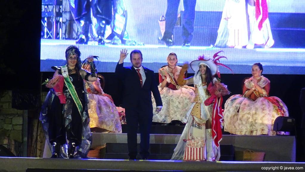 Proclamación Fogueres Xàbia 2015 – Abanderadas de Moros y Cristianos