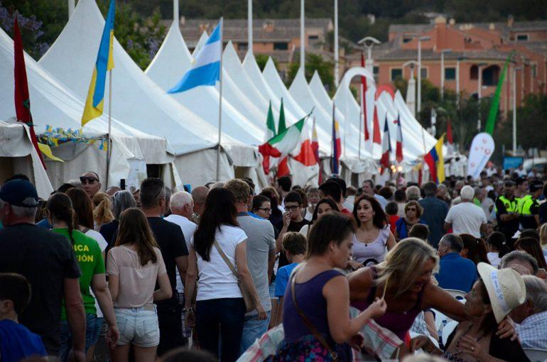 Buena afluencia de visitantes en el Festival
