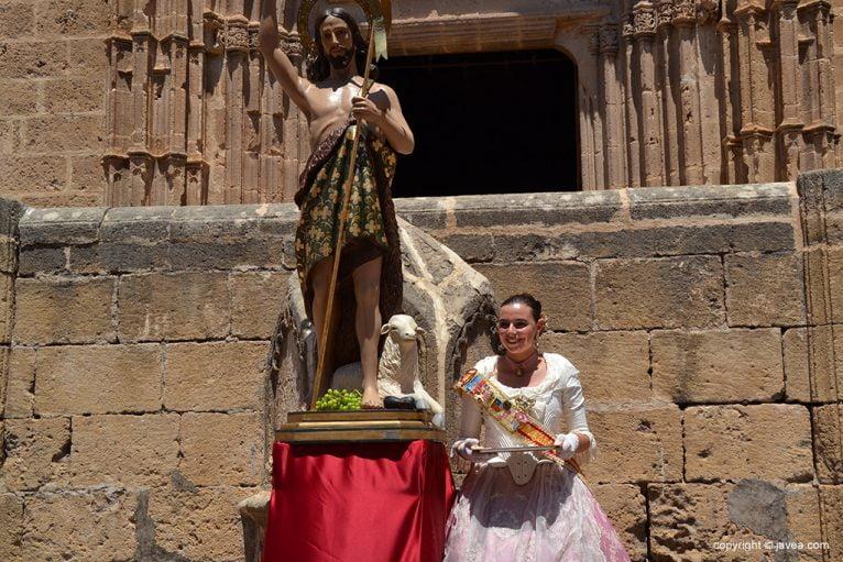 Lucía Catalá junto a S