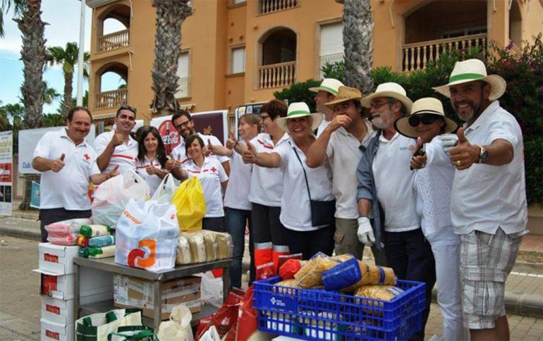 Miembros de Cruz Roja Xàbia y Rotary Javea