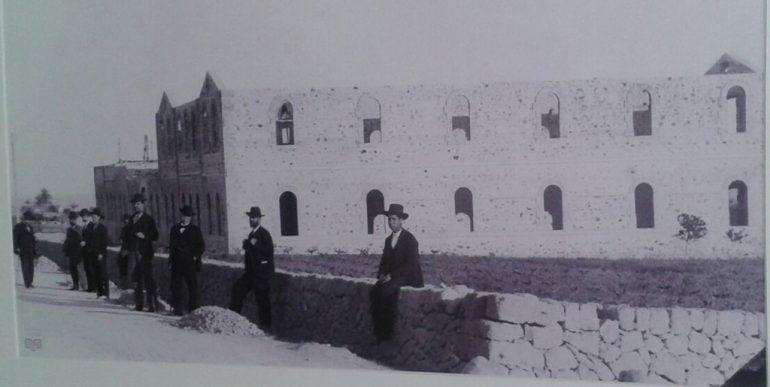 Construcción del Asilo Hermanos Cholbi