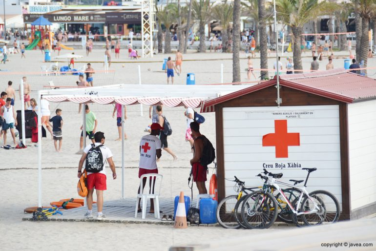 Cruz roja Puesto Playa Arenal