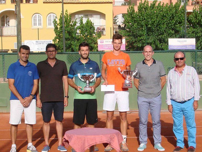 Entrega de trofeos del Open Absoluto de Tenis jugado en Jávea