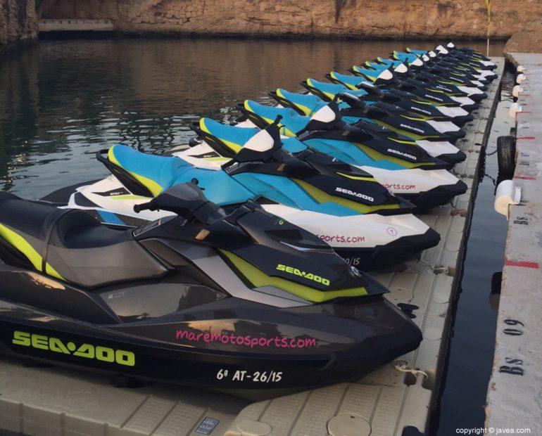 Flota de motos de agua de Maremoto