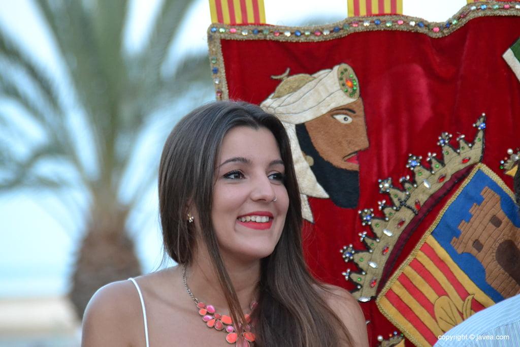 Mónica Leal sonriente