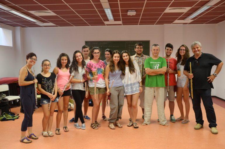 Quico Moragues con alumnos de Música a l`estiu