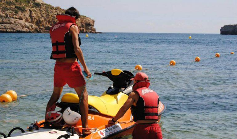 Socorristas de Cruz Roja Xàbia