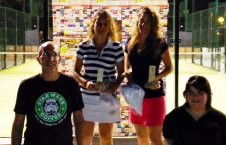 Vicent Colomer y Marta Bayunls con las campeonas