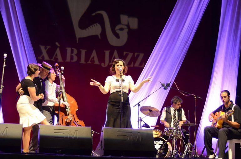Actuación de O Sister en Xàbia