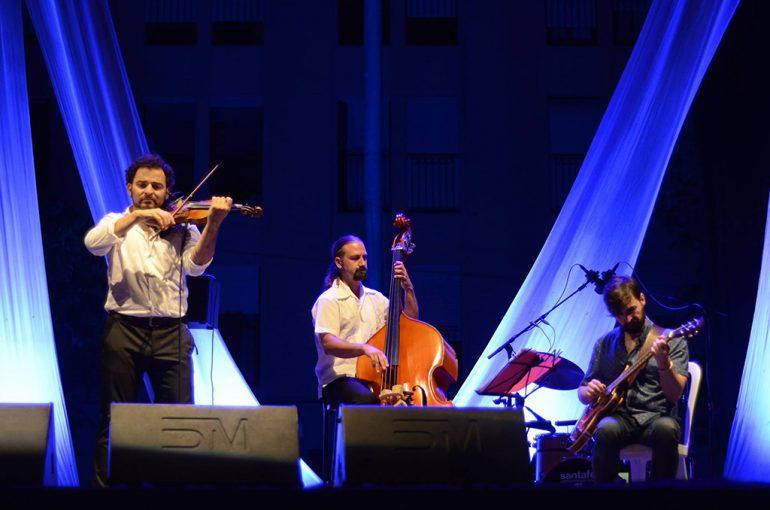 Actuación de Raúl Márquez Trío en Xàbia