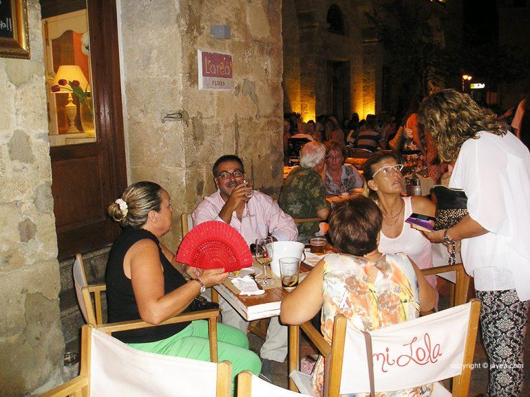 Concejales socialistas compartiendo mesa