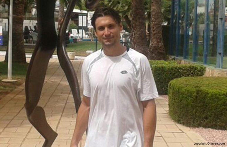 David Ferrer durante su estancia en el Club Tenis Jávea