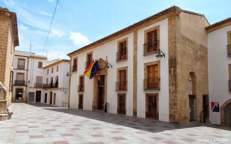 Fachada del ayuntamiento de Jávea