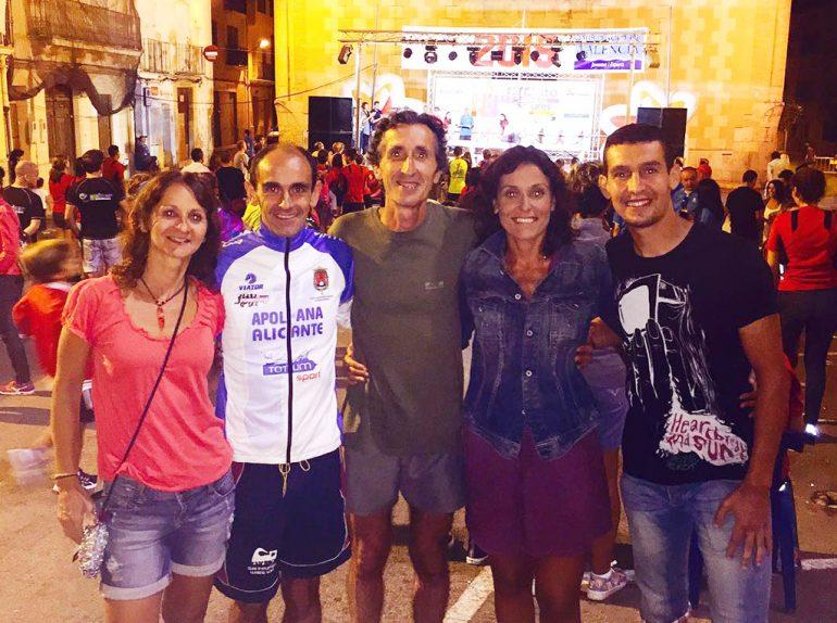 Ignacio Cardona junto a otros atletas en Siete Aguas