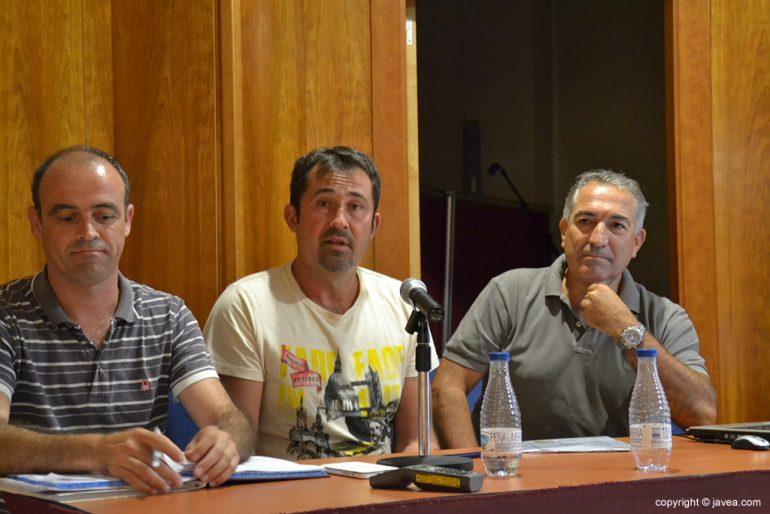 Miguel Bas con David Tiscar realizando el traspaso de poderes