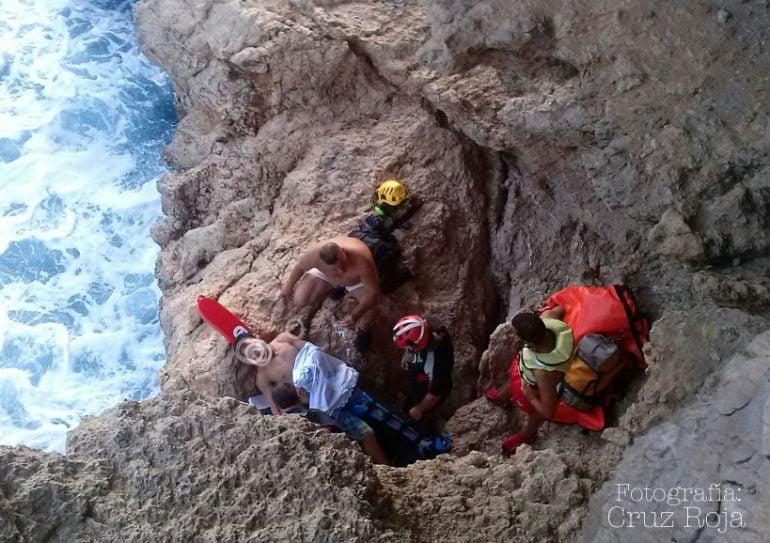 Rescate en la playa Ambolo