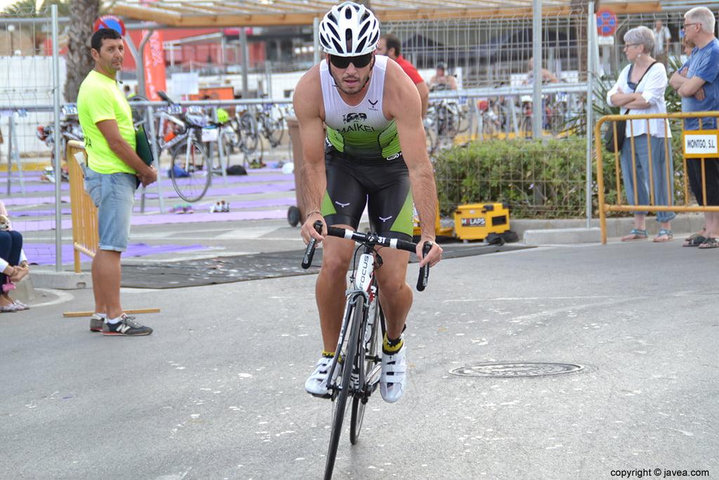 Maikel en el segmento ciclista
