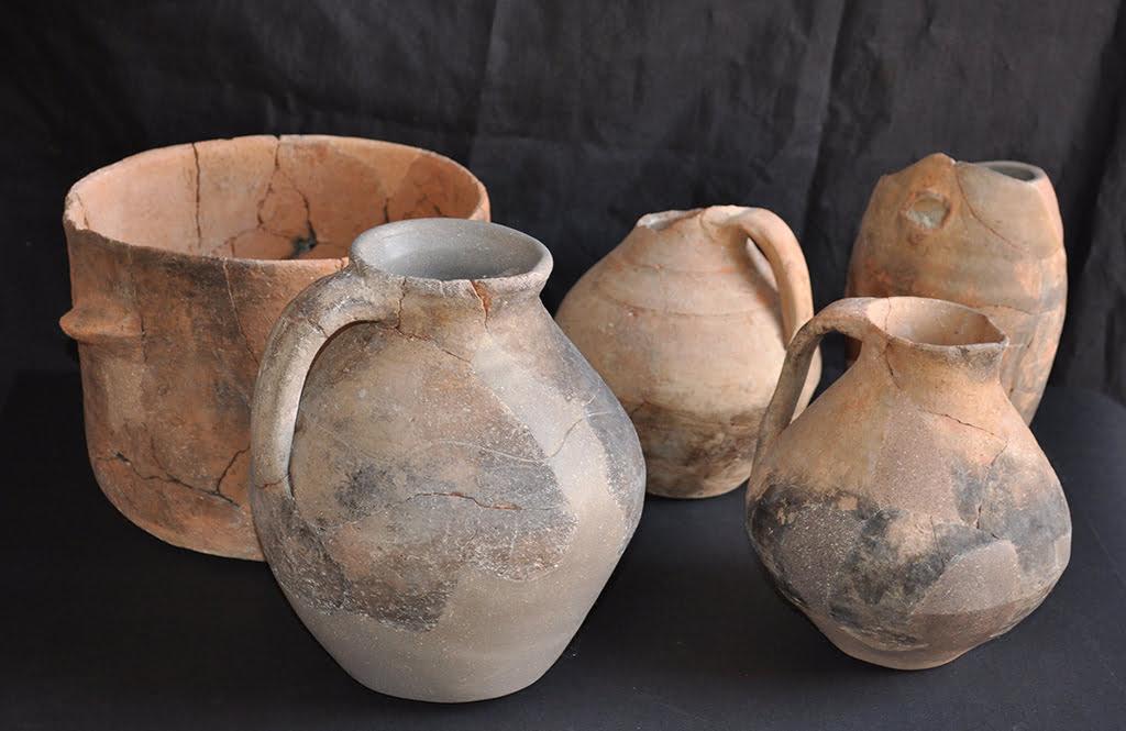 El museo de x bia restaura las cer micas del yacimiento for Tecnicas para esmaltar ceramica